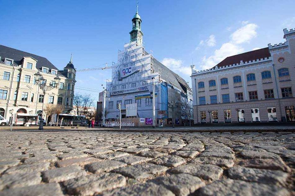 Das Gewandhaus in Zwickau soll für 15 Millionen Euro saniert werden. Probleme im Bauablauf führten zur Entlassung des Architekten.