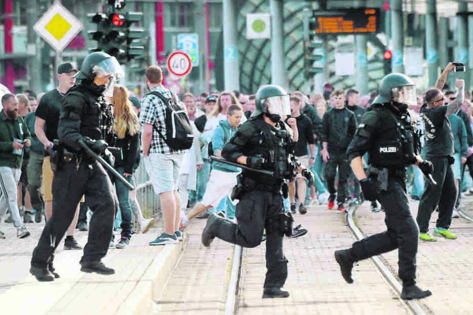 Nach dem Abbruch des Stadtfestes am 26. August 2018 kam es zu Demos und Ausschreitungen.