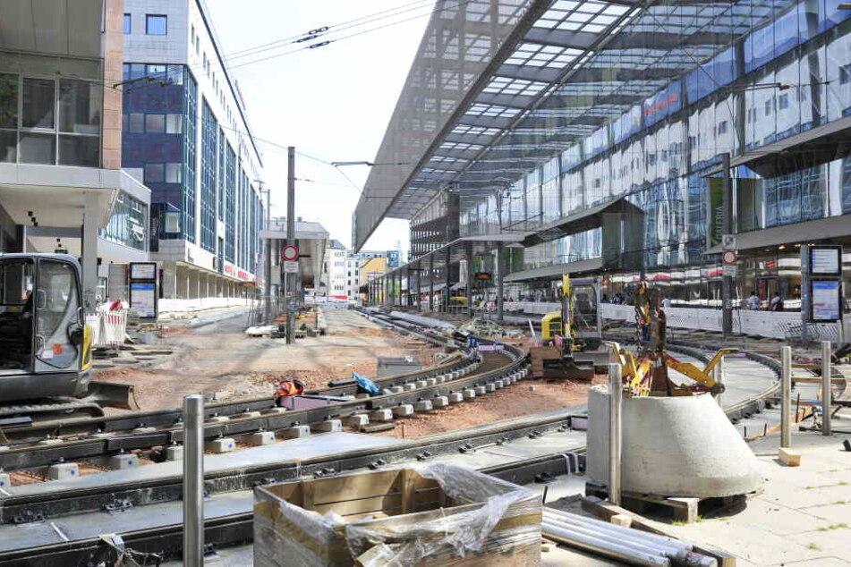 Knapp 7 Mio. Euro investiert der VMS zwischen Zenti und Rotem Turm in neue Gleise und Bahnsteige.