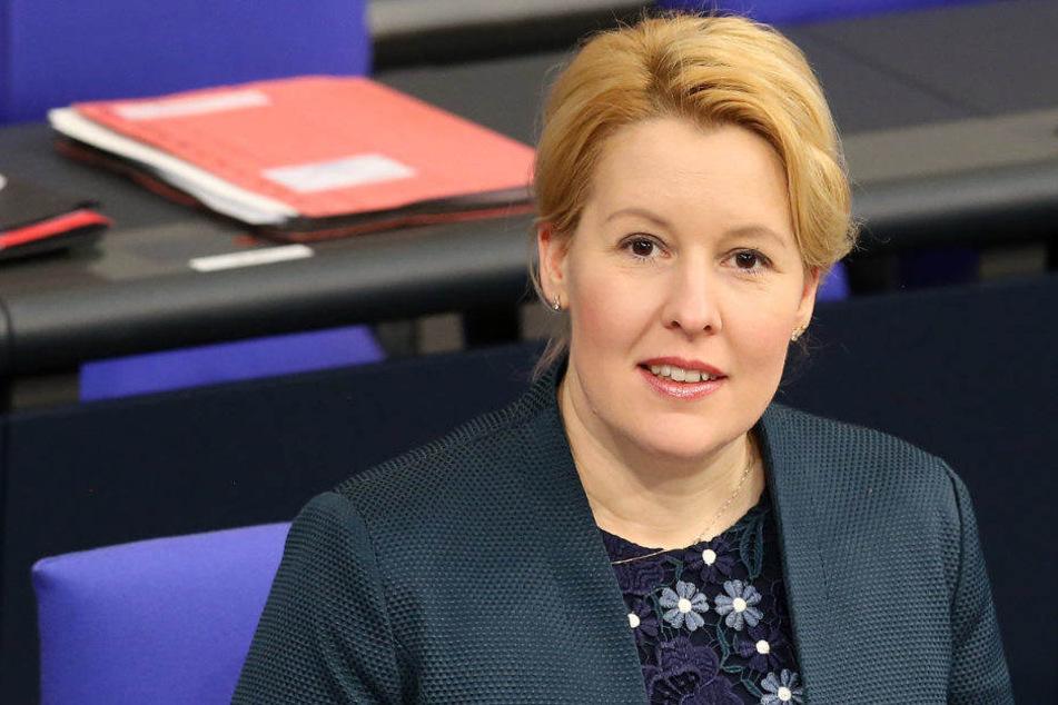 Franziska Giffey fordert mehr Lohn für Erzieher in Deutschland.