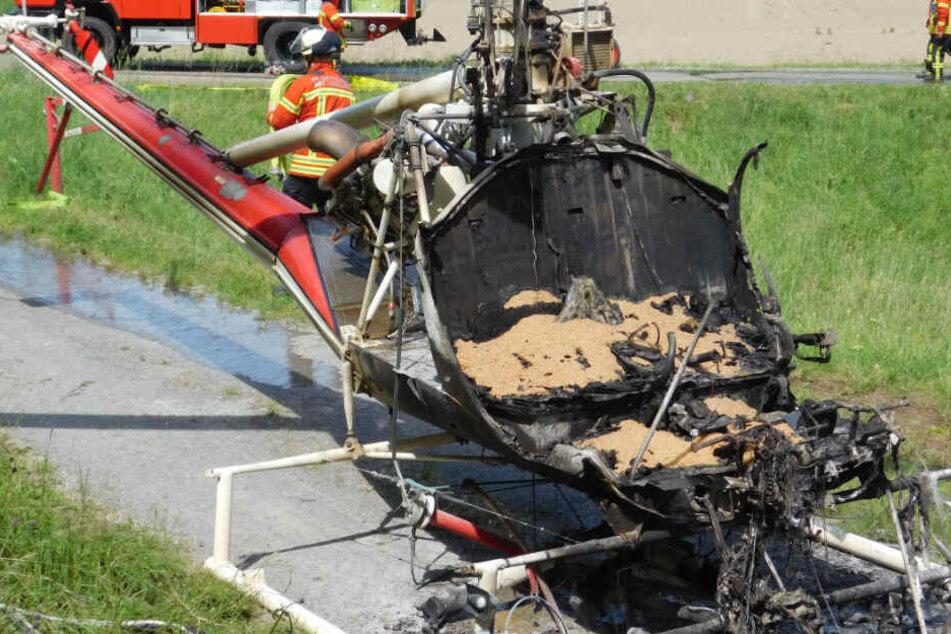 Der Hubschrauber wurde sehr stark beschädigt.
