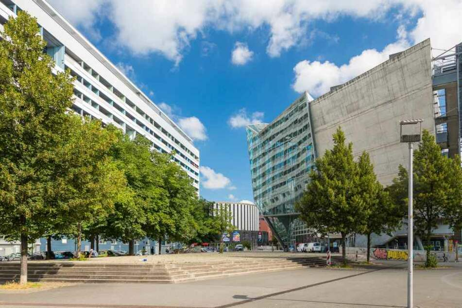 Ein älterer Mann belästigte zwei Mädchen an der Walpurgisstraße.