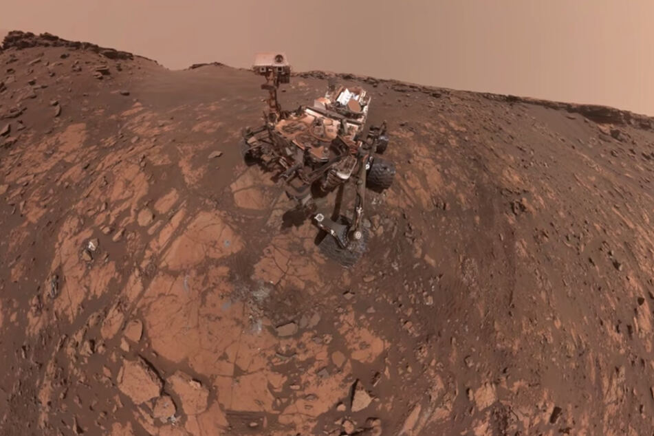 Perseverance's selfie with Ingenuity was stitched together from 62 individual images taken while the rover was looking at the helicopter