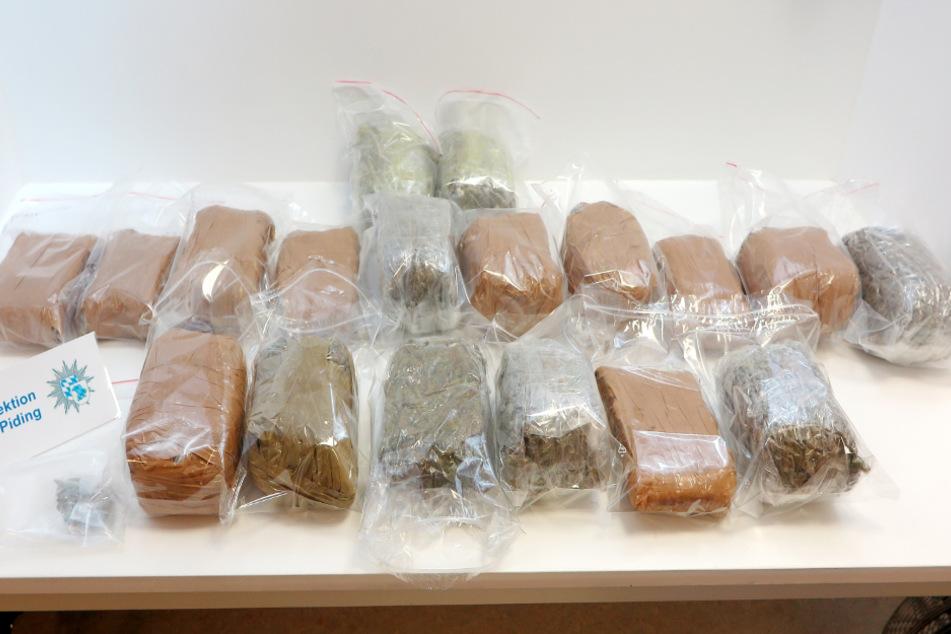 Die Ermittler hatten bei der Überprüfung in Bayern offenbar den richtigen Riecher und stellten zehn Kilogramm Marihuana sicher.