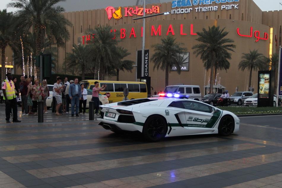 Die Polizei in Dubai protzt gerne mit ihren Luxus-Wagen. (Symbolbild)