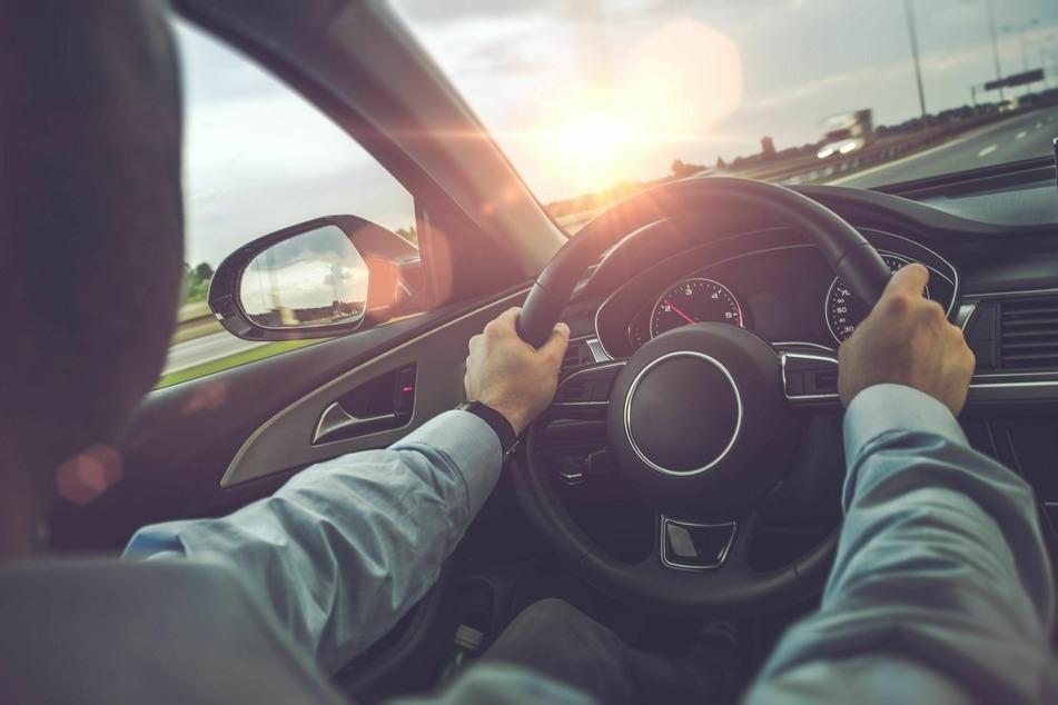 Polizei erwischt Raser auf A4: Audi-Fahrer mit 243 km/h unterwegs