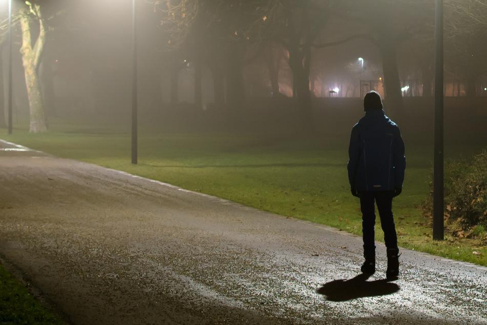 Fußgänger macht schockierenden Fund bei morgendlichem Rundgang
