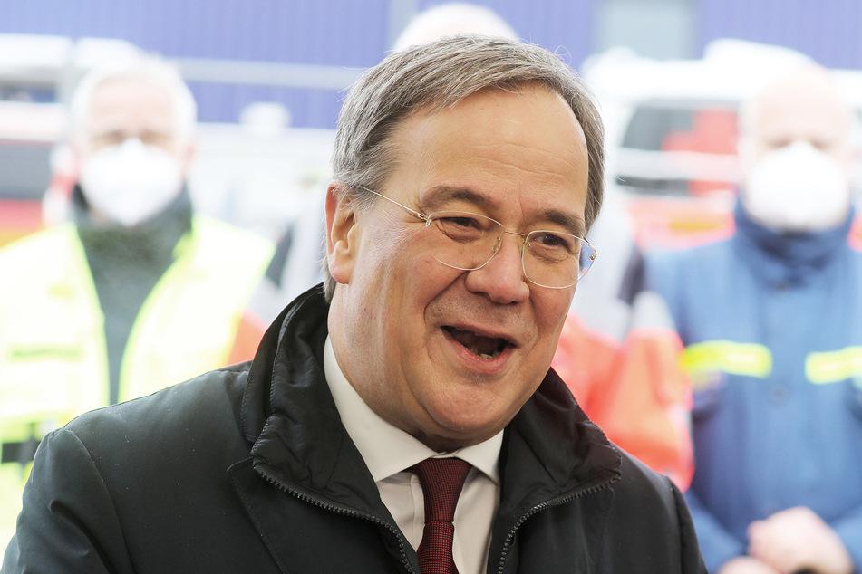 Armin Laschet kritisiert Sputnik-Vorbestellung von Söder in Bayern