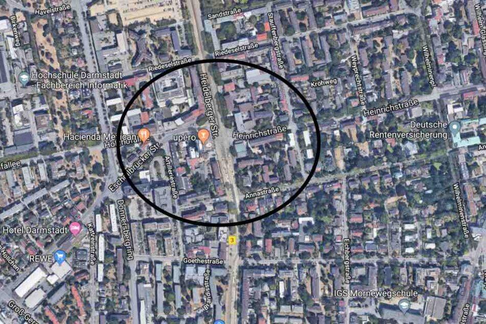 An der Tram-Haltestelle Heidelberger Straße/Eschollbrücker Straße wurde der Mann niedergestochen.