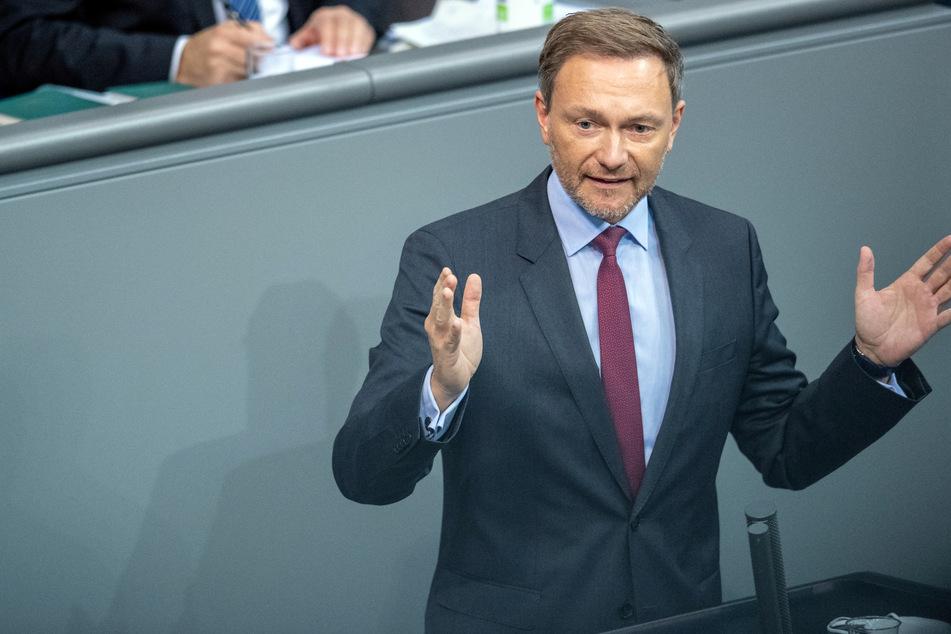Christian Lindner, Vorsitzender der FDP-Bundestagsfraktion, spricht bei der Plenarsitzung im Deutschen Bundestag.