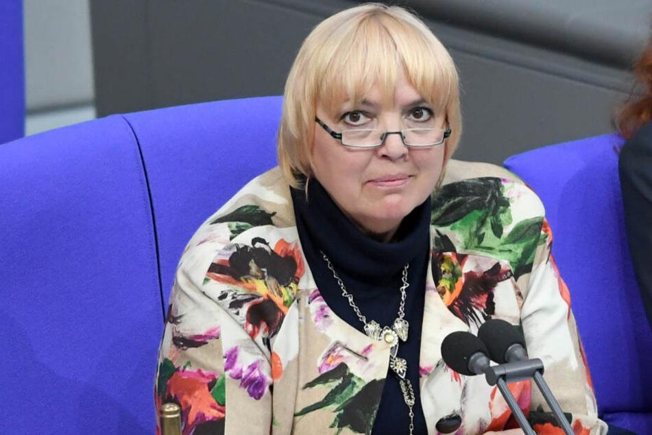 Auch Bundestagsvizepräsidentin Claudia Roth (Bündnis 90/Die Grünen) erhielt Morddrohungen per E-Mail.