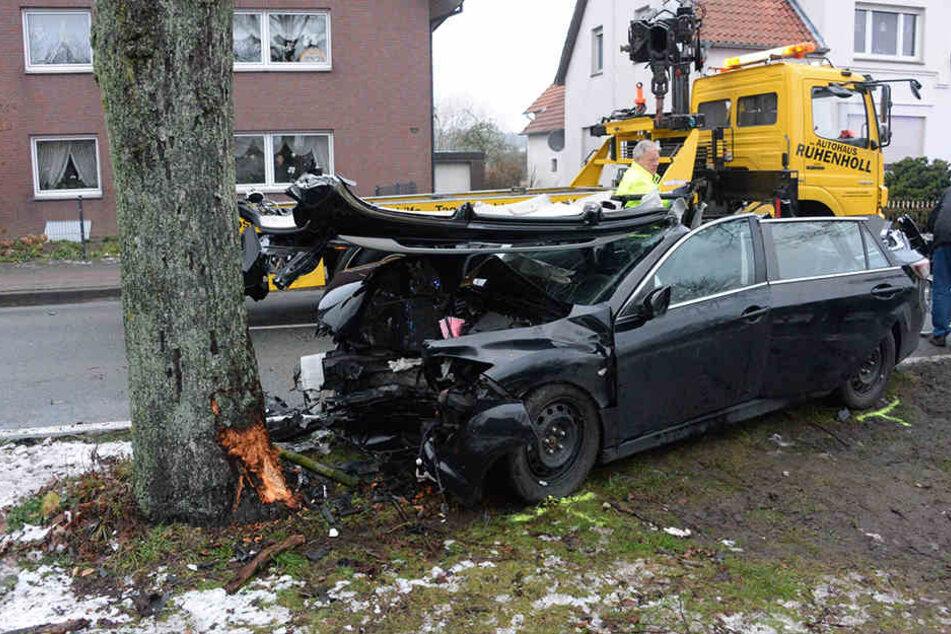 Der Mazda war nicht mehr fahrbereit und musste abgeschleppt werden.
