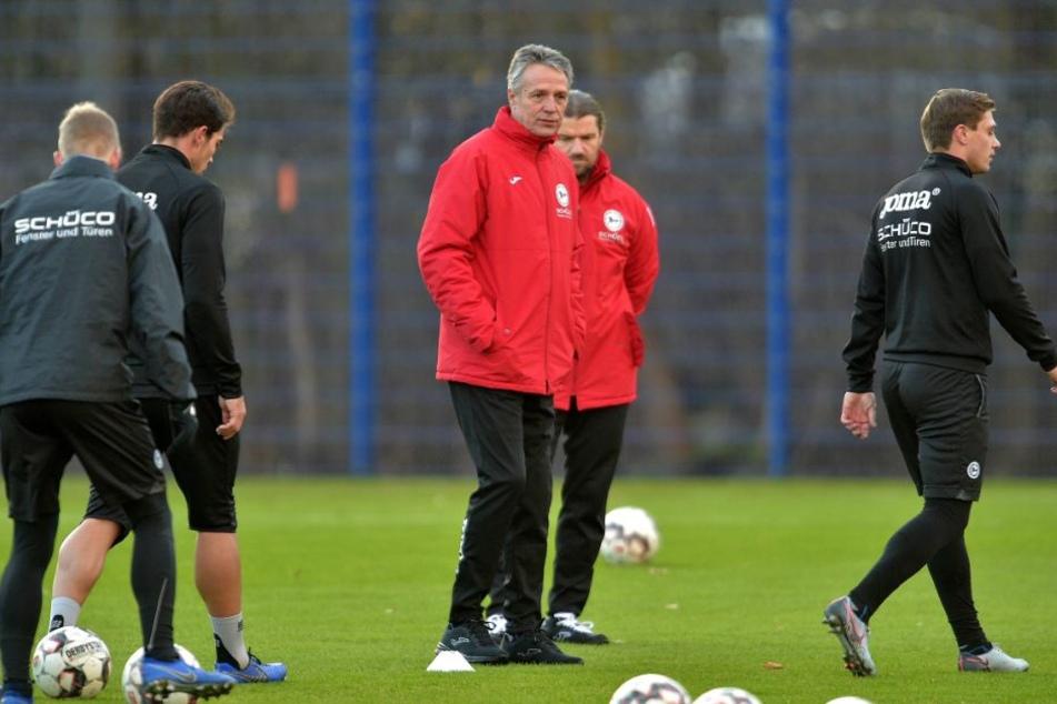 DSC-Trainer Uwe Neuhaus beobachtete das Training ganz genau.