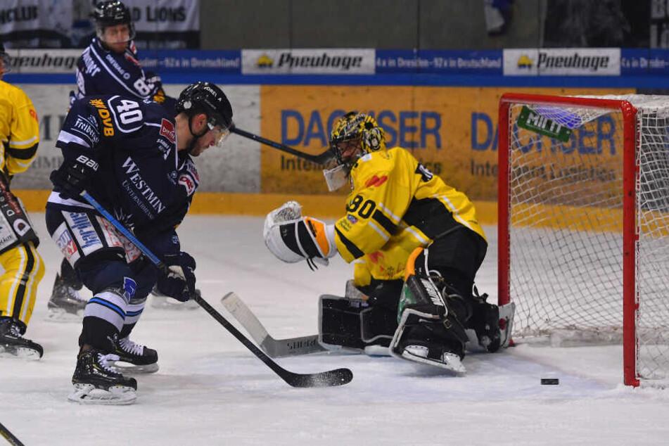 Nick Huard (l.) legte vor einem Jahr gegen Bad Tölz mit seinen Treffern zum 1:0 und 2:0 den Grundstein für den späteren 6:2-Sieg der Eislöwen.