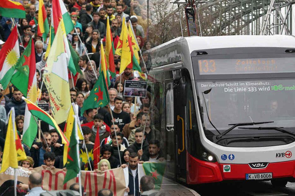 Großdemos in Köln wegen Angriff auf Kurden: Verkehrschaos erwartet