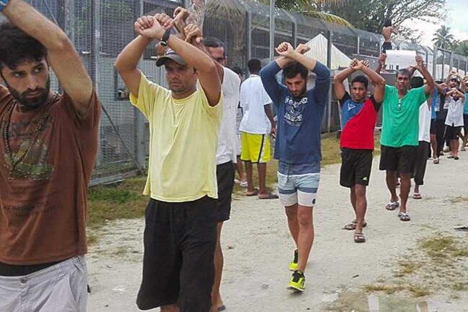 Protestierende Flüchtlinge in dem Camp auf der Insel Manus (Archivbild).