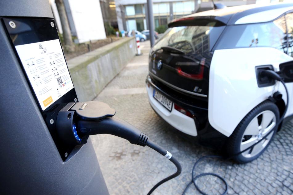 E-Autos: Jetzt fast doppelt so viele Ladesäulen in Baden-Württemberg