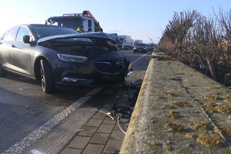 Fuchs rennt über Autobahn und sorgt für schweren Unfall