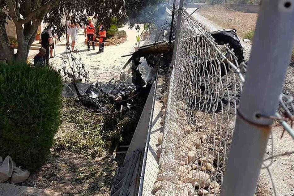 Teile des Helikopters stürzten auch auf eine alte Landstraße bei Inca.
