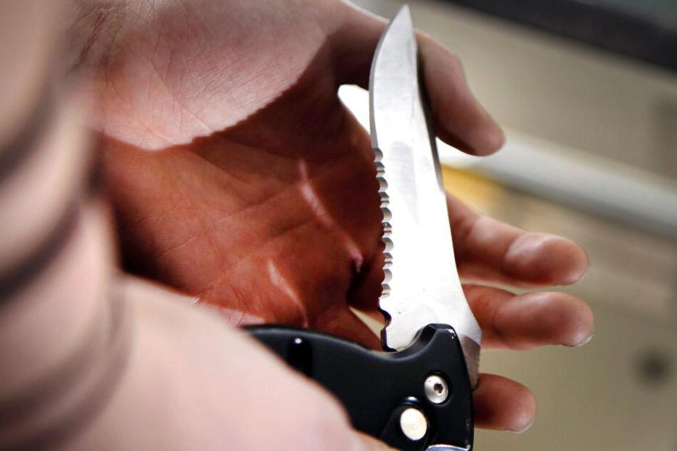 2019 wurden in NRW über 6800 Straftaten erfasst, bei denen ein Messer eingesetzt wurde (Symbolbild).