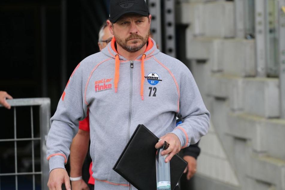 Steffen Baumgart lobt sein Team.