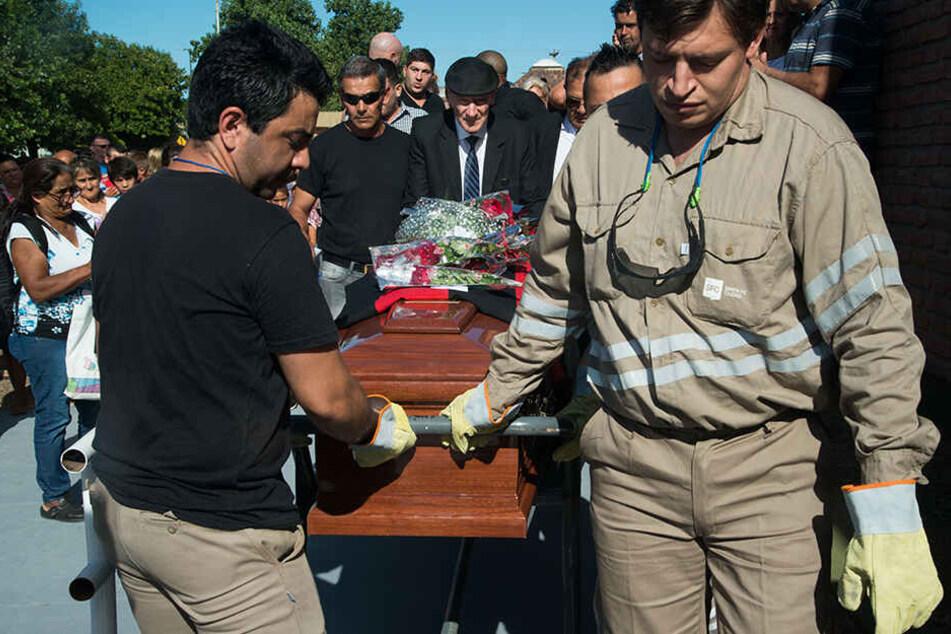 Bilder von der Trauerfeier von Emiliano Sala in Progreso, Argentinien.
