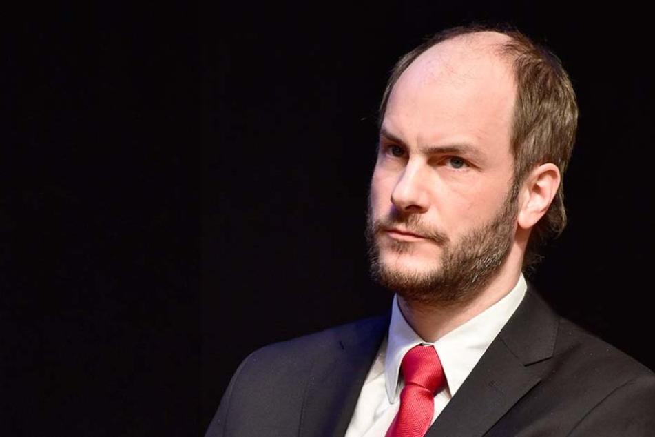 """Karl Martin Kohlmann von """"Pro Chemnitz"""" fand die Aktion des Sängers anscheinend weniger witzig."""