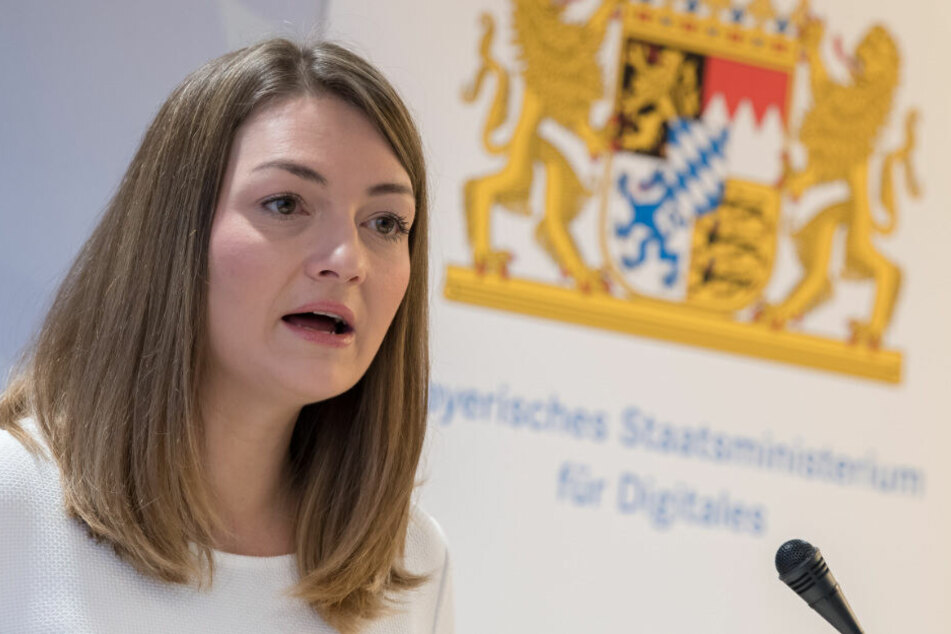 Staatsregierung startet Blockchain-Kooperation!