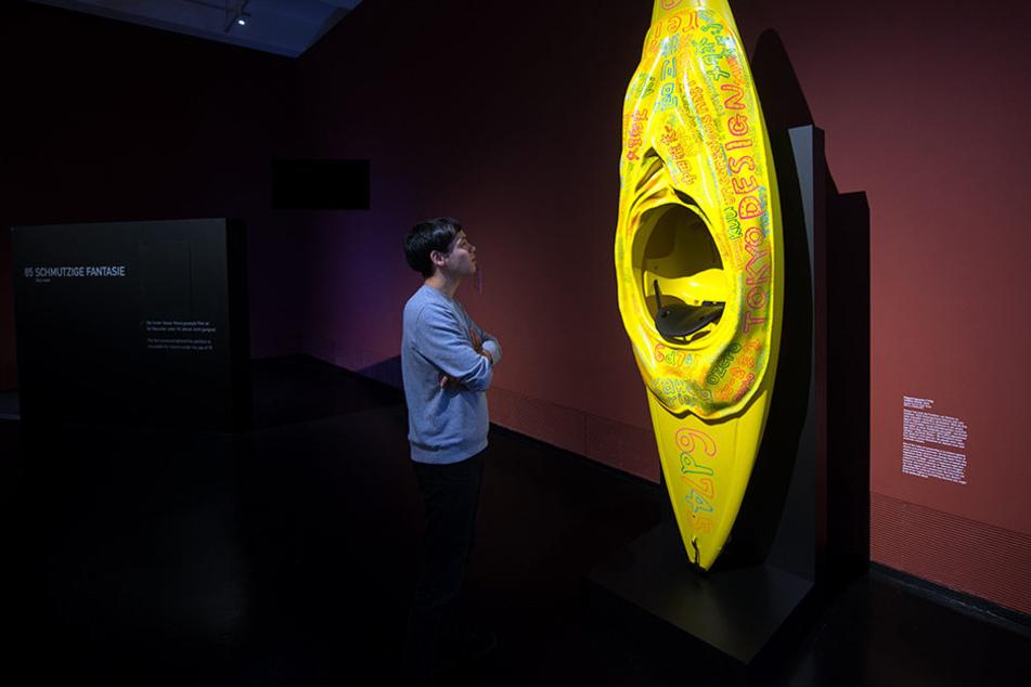 """""""Vagina Kayak"""" von Künstler Megumi Igarashi ist ein Ausstellungsstück im Hygiene-Museum."""