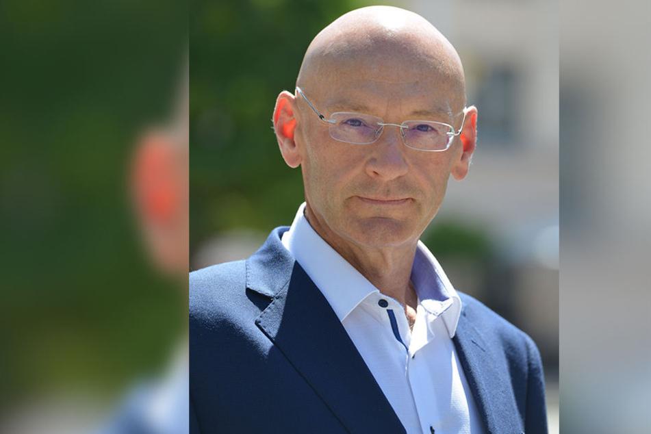 Brennpunkt Neumarkt: CDU-Stadtrat Gerald Otto (53) hat am eigenen Leib erfahren, wie aufgeheizt die Stimmung am Neumarkt ist.