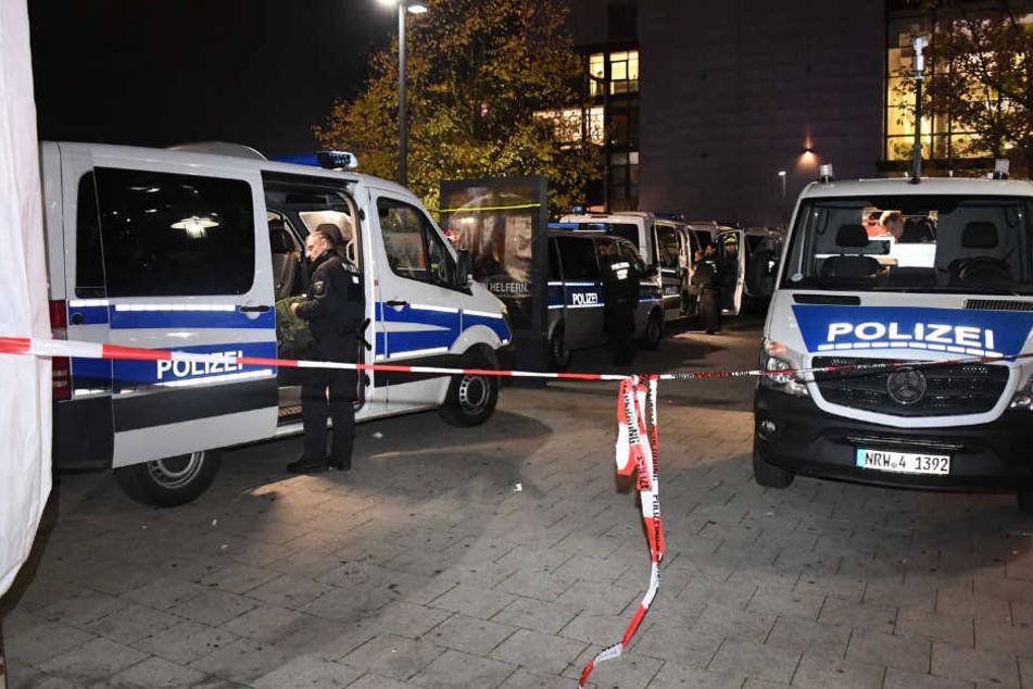 Ein Großaufgebot der Polizei musste wegen der gewaltbereiten Fußballfans ausrücken.