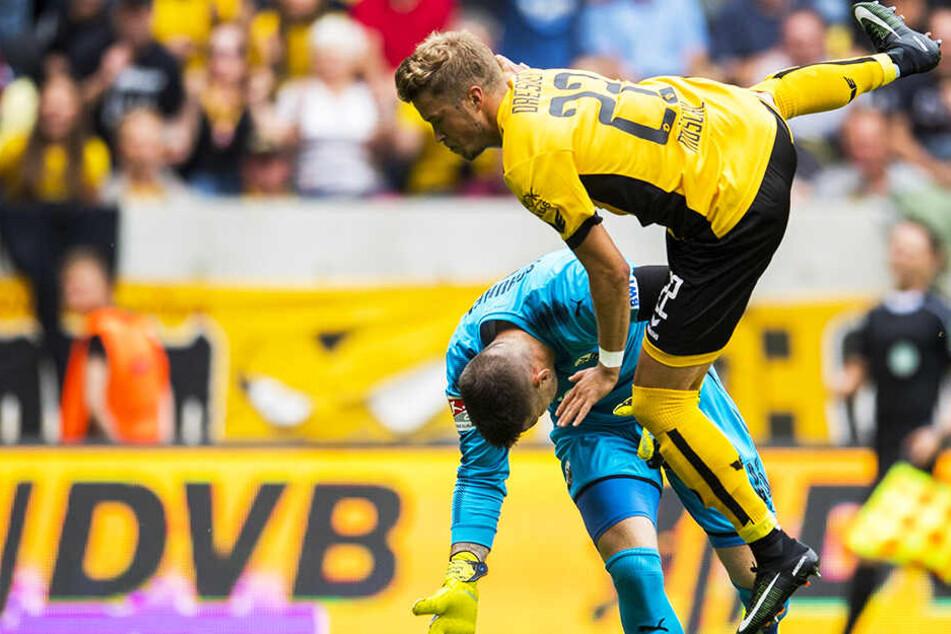 Der SVS und Keeper Marcel Schuhen war für die SGD oft eine zu hohe Hürde. Sein bisher einziges Duell gegen Sandhausen bestritt Patrick Möschl (o.) im August 2017. Die Partie verloren die Schwarz-Gelben damals mit 0:4.