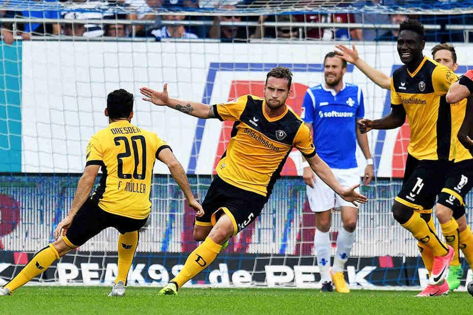 Manuel Konrad (M.) konnte in Darmstadt gleich dreimal jubeln, trotzdem reichte es leider nicht zum Sieg.
