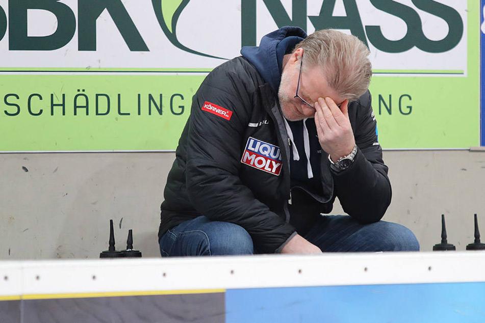 Eislöwen Coach Franz Steer haderte mal wieder mit der Abschlussschwäche seiner Cracks.