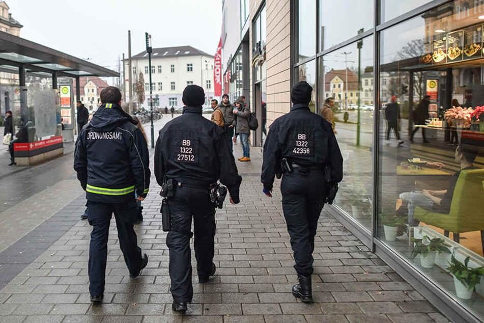 Die Polizei zeigt in Cottbus verstärkt Präsenz.
