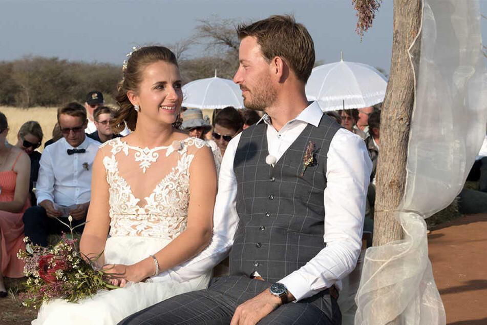 Anna und Gerald ließen sich in Namibia ein zweites Mal trauen.