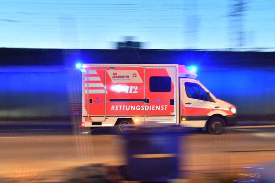 Der 44-jährige verletzte Mann wurde in ein Krankenhaus gebracht.