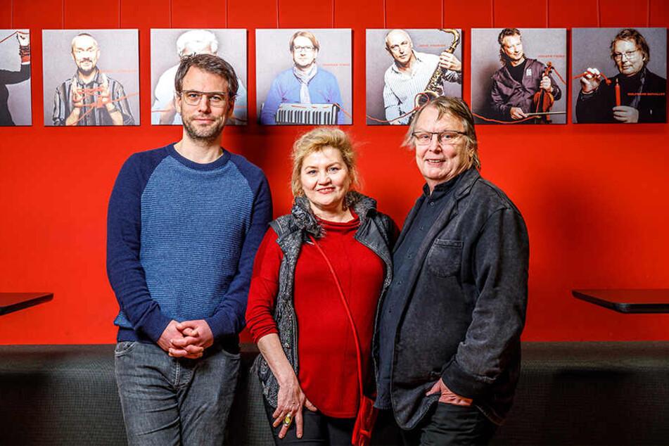 Eine Familie - ein Kabarett: Philipp Schaller (40, l.) tritt in die Fußstapfen von Vater Wolfgang (78). Birgit Schaller (58) bleibt der Bühne treu.