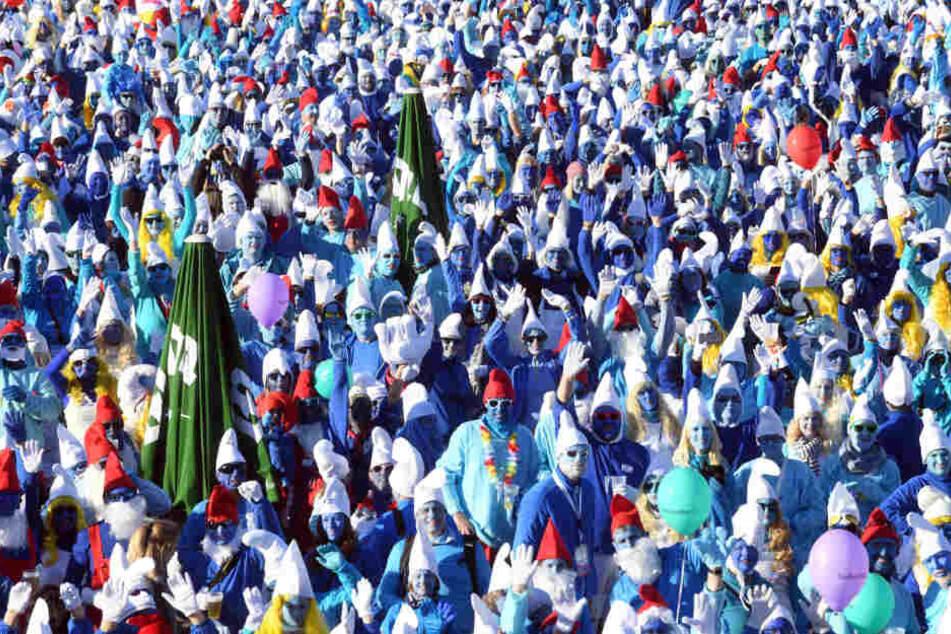 Eine Stadt ist blau: Der Schlümpfe-Weltrekord ist gebrochen!