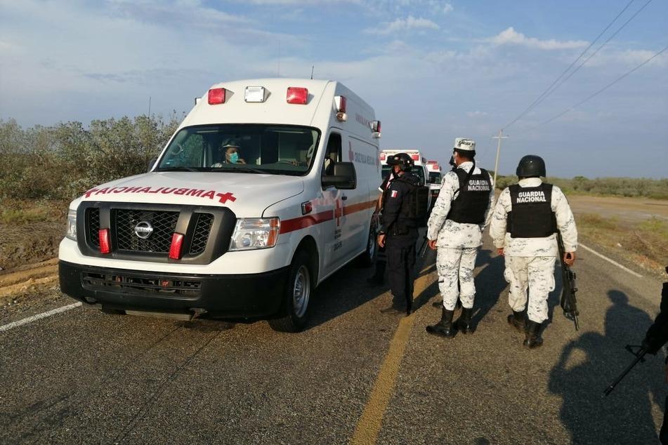 Rettungskräfte in San Mateo de Mar im Einsatz. Mehr als 150 Polizisten, Soldaten und Ermittler seien in den Ort geschickt worden.
