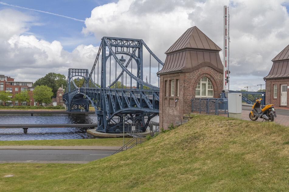 Blick auf die Kaiser Wilhelm Brücke in Wilhelmshaven. (Symbolbild)