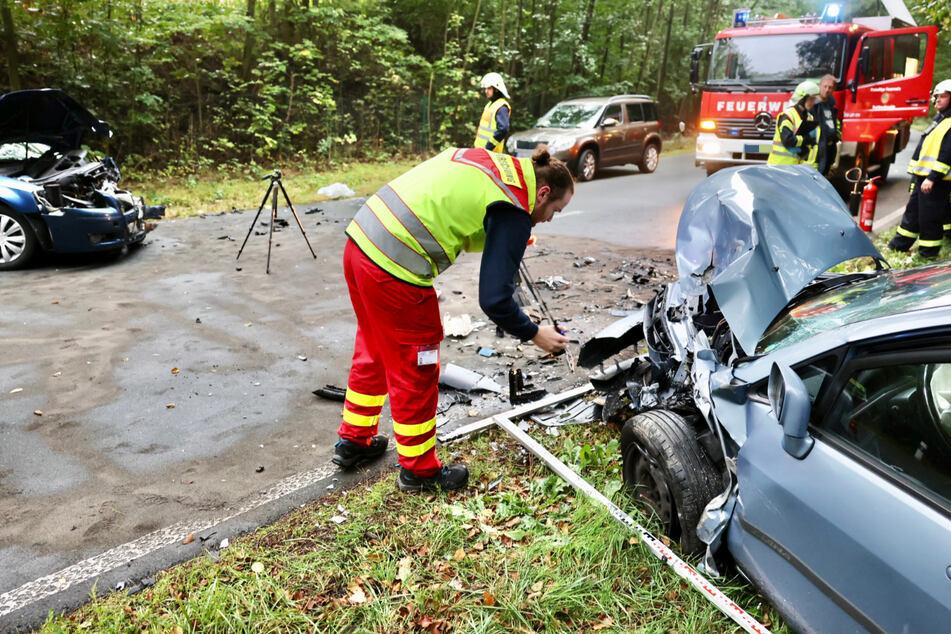 Heftiger Crash bei Pirna: Zwei Männer schwer verletzt