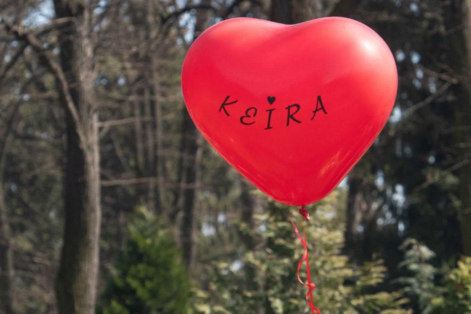 Ein Jahr danach: Gedenkminute für ermordete Keira (14)