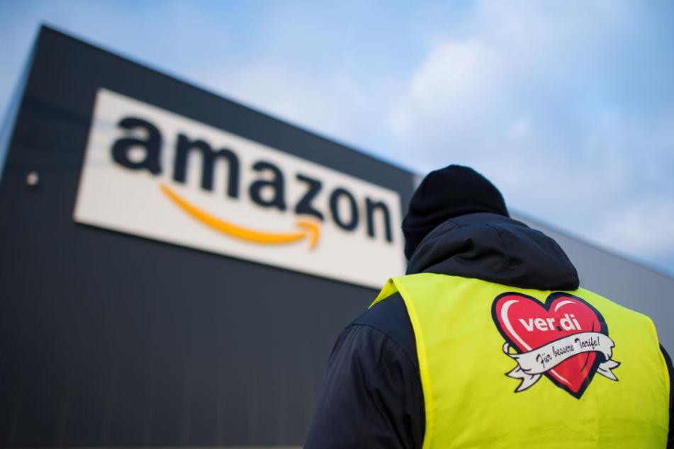 Zahlreiche Amazon-Mitarbeiter legten die Arbeit nieder.
