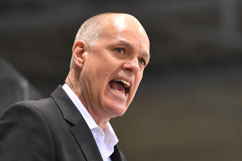 Eislöwen-Coach Bill Stewart gibt an der Seitenlinie alles.