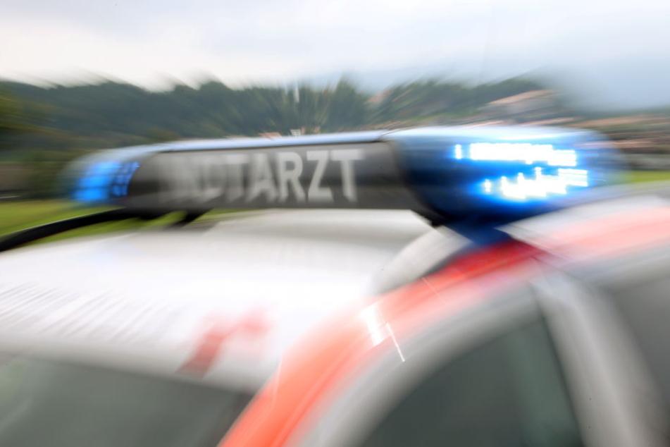 Bei dem Unfall in Zwickau gab es zwei Verletzte. (Symbolbild)