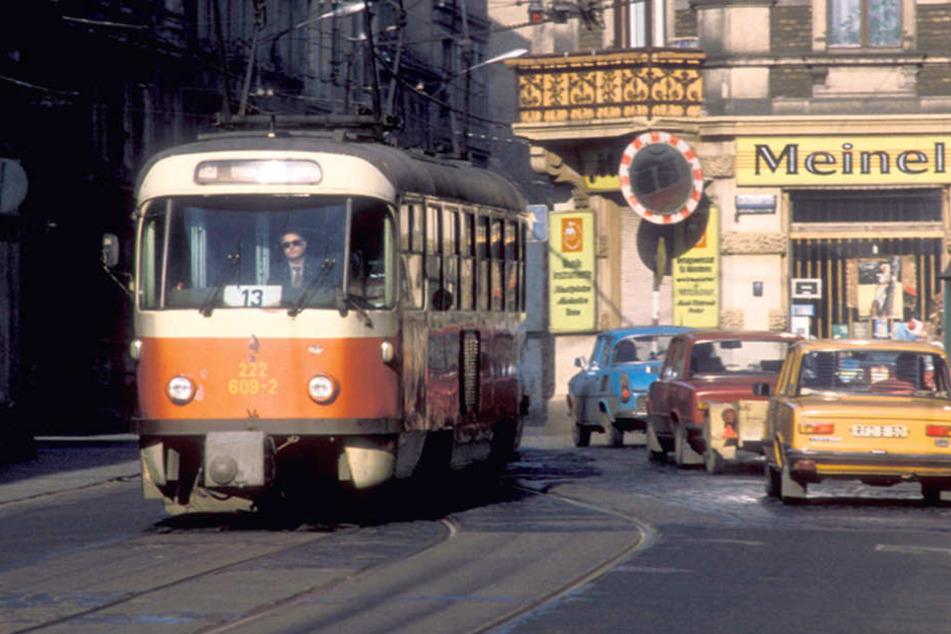 Die rote Tatra prägte das Dresdner Straßenbild.