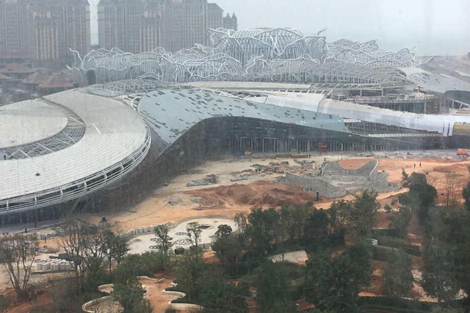 """Mit dem Projekt """"Ocean Flower Island"""" entsteht auch die größte Shopping Mall Asiens."""