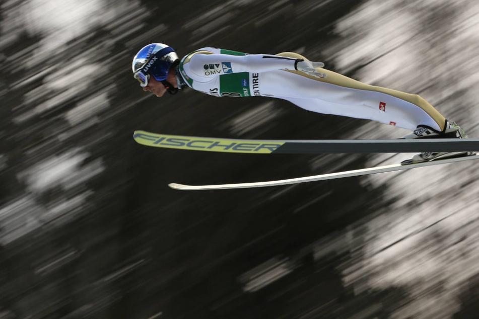 Gregor Schlierenzauer ist bei der Weltcup-Qualifikation in Oberstdorf schwer gestürzt.