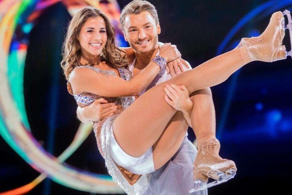 """Dancing on Ice"": Muss Sarah Lombardi verletzt aufhören?"